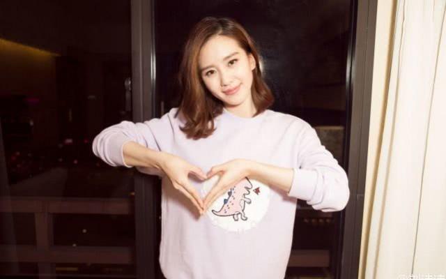23岁与刘诗诗一同出名的她 如今却自毁前程