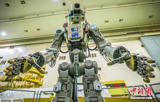 俄机器人宇航员刚回地球 美国机器人又要去了