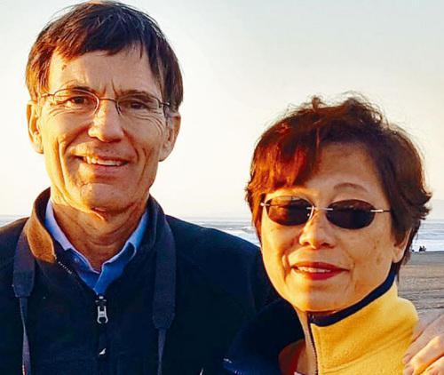 美联航再现粗暴对乘客事件 华人妇女被赶下飞机