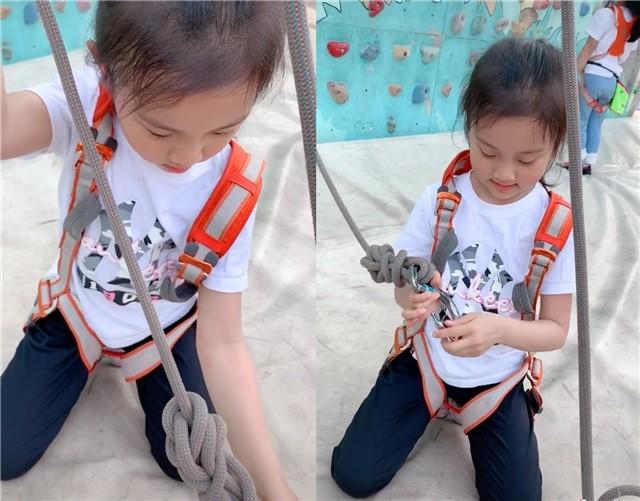 李小璐携女儿攀岩 甜馨淡定吊威亚