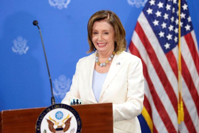 美国国会众议院议长南希・佩洛西2019年8月9日在萨尔瓦多举行的一个新闻发布会上。
