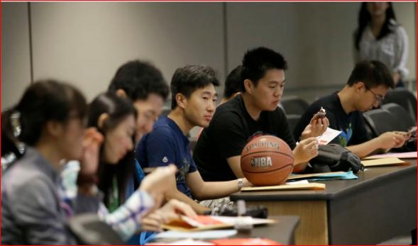 这个秋天 入读美大学的中国留学生人数大幅下降
