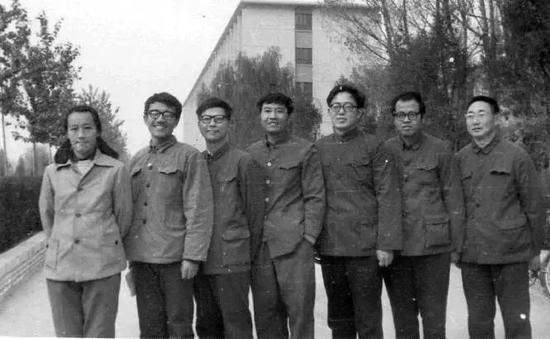 中国政坛海归往事:体制内的海归官员分这两类