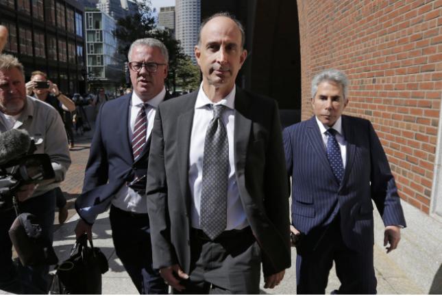 行贿40万元让儿子进美国名校 父亲被判四月监禁