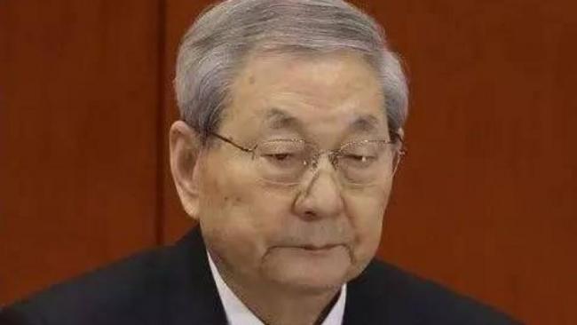 93岁江泽民登台 91岁朱�F基缺席引猜测