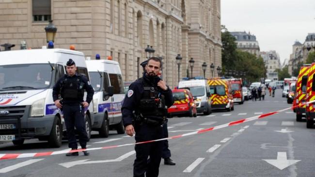 惊呆了!巴黎警署出现杀警惨案