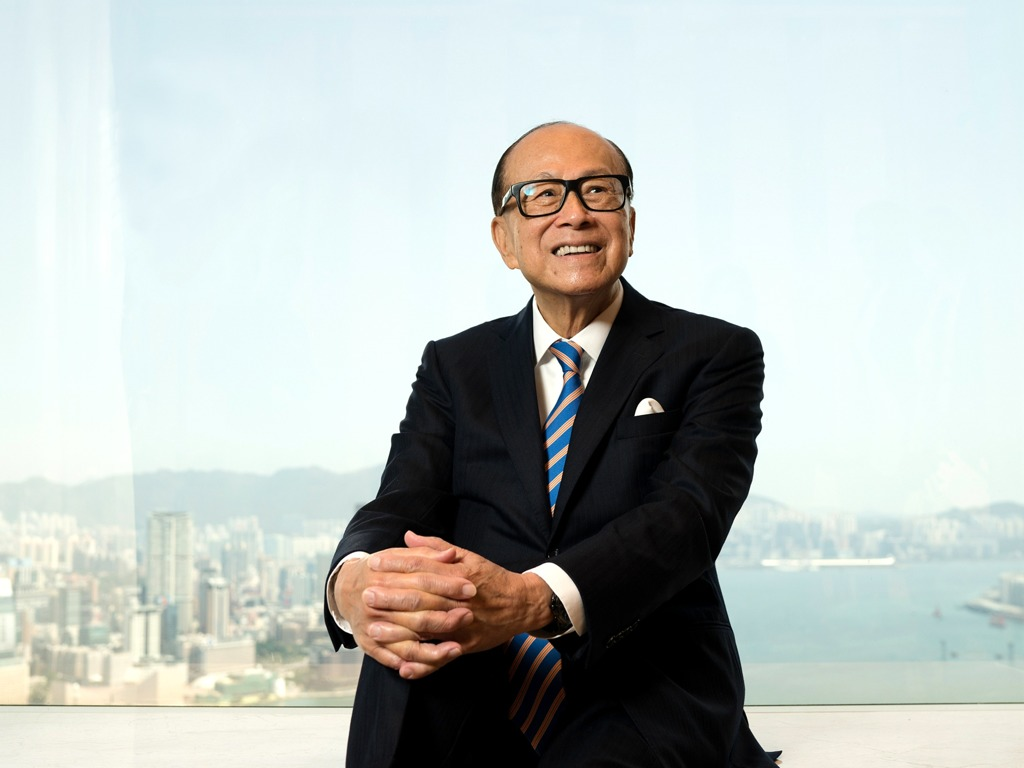 长江实业手握700亿现金 李嘉诚会再次抄底香港吗