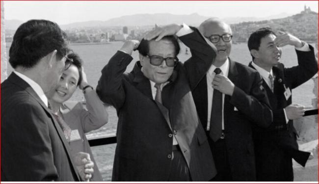 鸡犬升天  揭秘江泽民曾经几任秘书