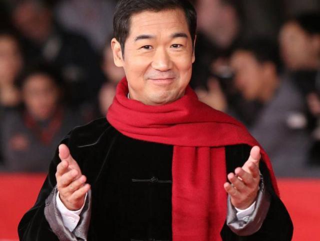 张国立怒怼:有些明星就应该滚出中国内地