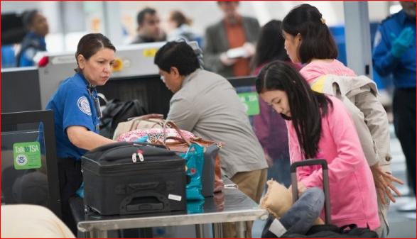 华人入境美国   穿名牌化浓妆易遭盘问