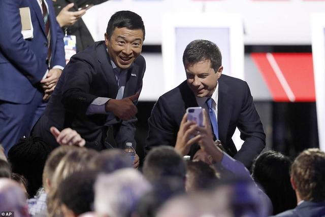 美国华裔总统候选人辩论妙语连珠,获美媒称赞,必应躺枪上热搜