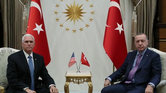 美副总统彭斯与土耳其总统会面 寻求停火