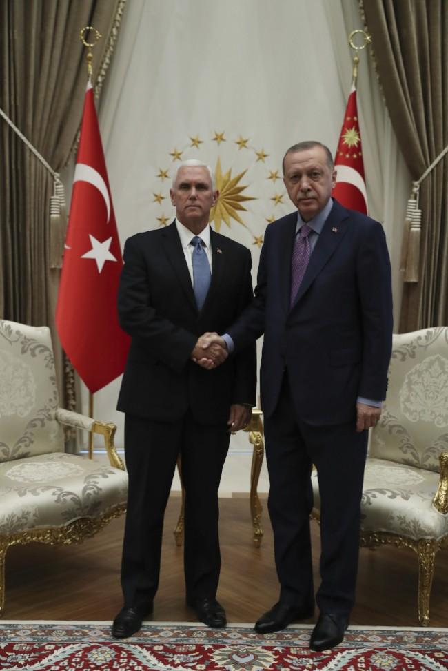 """土耳其同意停火 美撤销制裁 川普赞""""伟大的一天"""""""