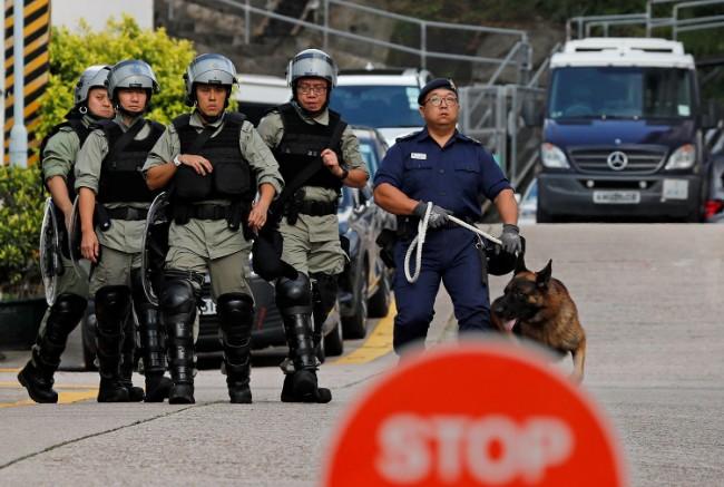 2019-10-23T000000Z_1764670087_RC1424083410_RTRMADP_3_HONGKONG-PROTESTS-PRISON.JPG