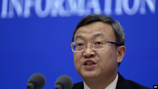 中国商务部副部长王受文在记者会上介绍《关于中美经贸磋商的中方立场》白皮书。(2019年6月2日)