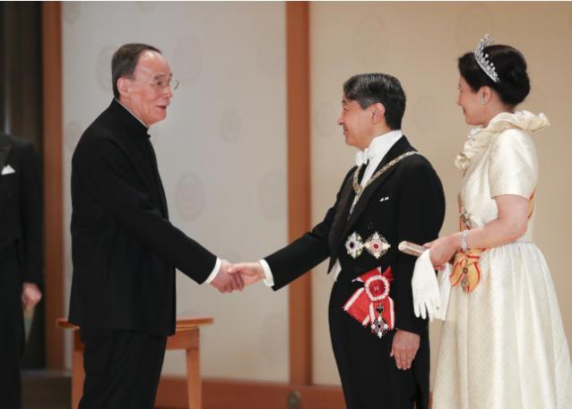 王岐山见日本天皇 这个第一次引发国际关注