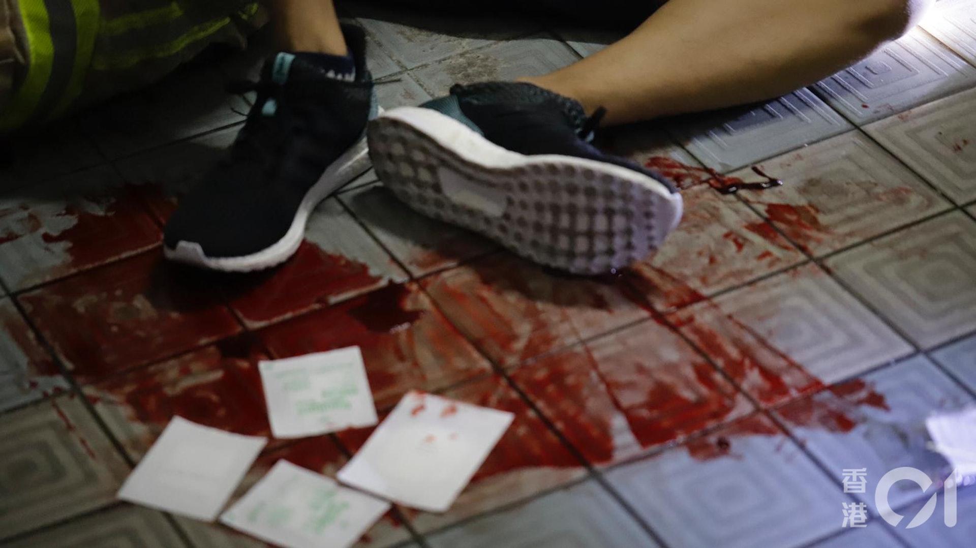 ���强拼笊�大量流血。(�x者提供)