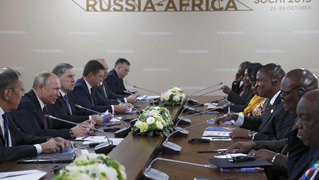俄非峰会上,俄罗斯总统普京与中非总统举行会谈,索契,2019年10月23