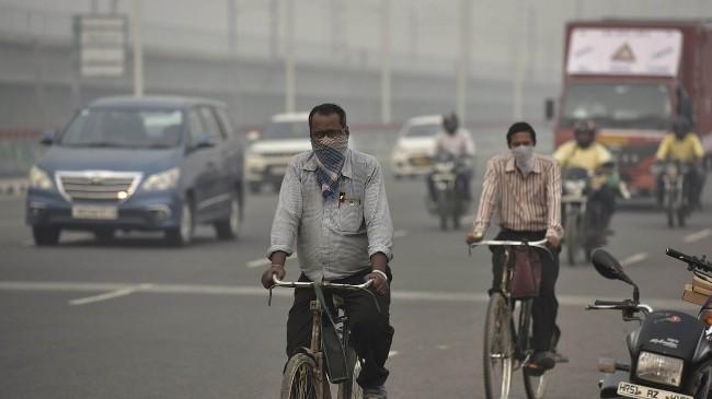 印度雾霾严重超标 中国或向印度排放毒气?