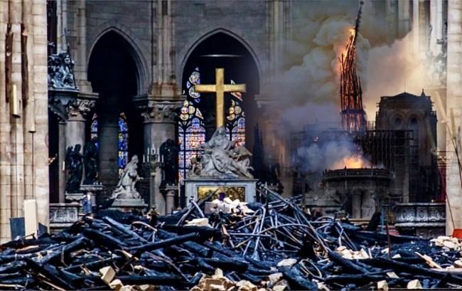 世界遗产巴黎圣母院重建将与中国合作