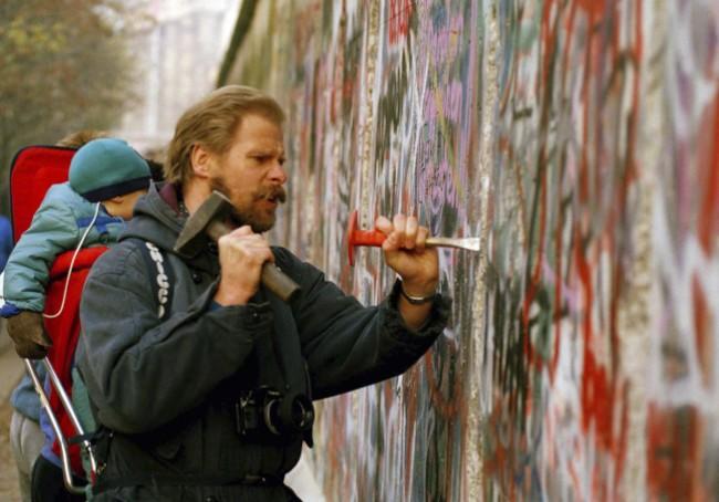 柏林围墙倒塌30年… 1989年改变全世界