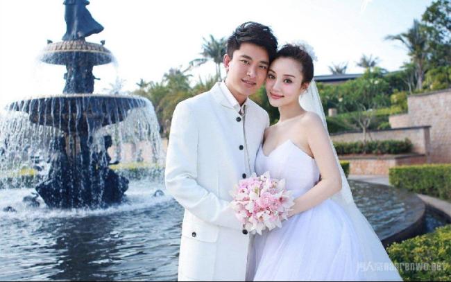 贾乃亮李小璐官宣离婚 声明共同抚养女儿甜馨