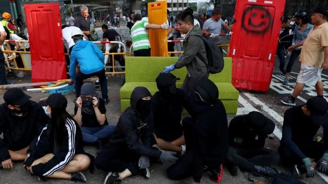 2019-11-16t074831z_1054446507_rc27cd9xscvt_rtrmadp_3_hongkong-protests.jpg
