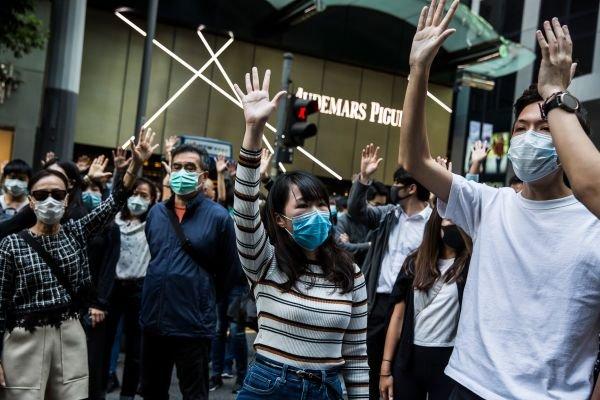 11月15日,香港示威者在中环集会。