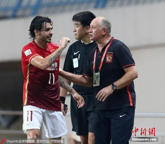 资料图:斯科拉里在中国执教时 图片来源:Osports全体育图片社