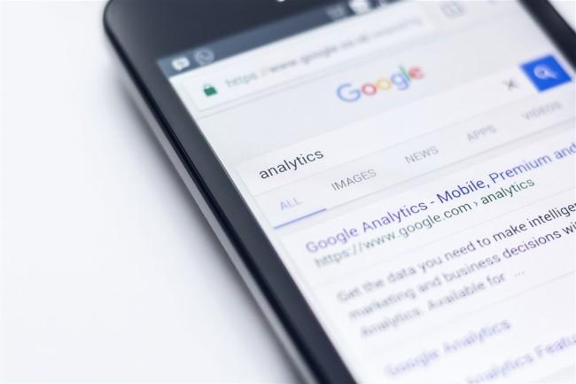 Google加强规范政治广告 脸书有压力
