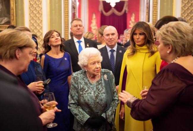 这边,北约领袖喊团结 那边,美法总统频开�h