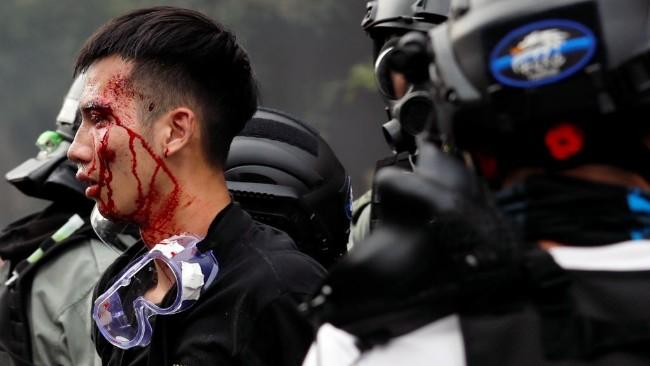 女友要求香港警察男友辞职否则就分手