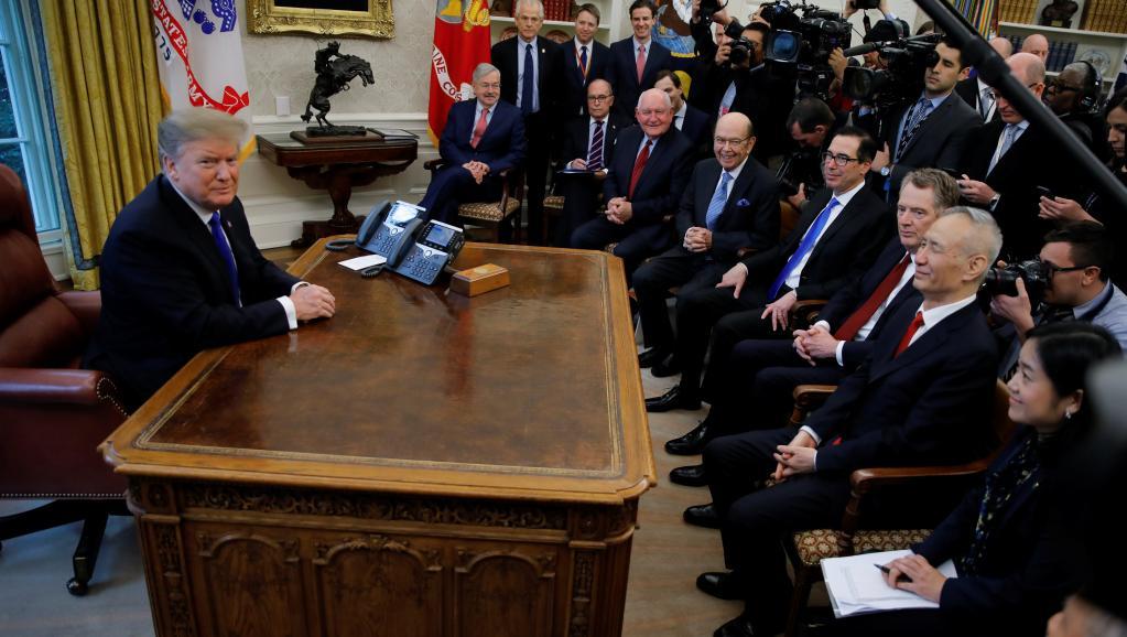 特朗普2月22日在白宫会见刘鹤