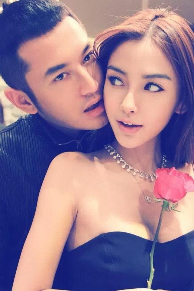 中年黄晓明偶像光环不在 娇妻baby无戏可拍