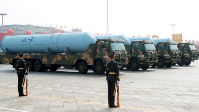 中共建政70周年的十一阅兵展示了巨浪2型潜射洲际弹道核导弹(资料照片)