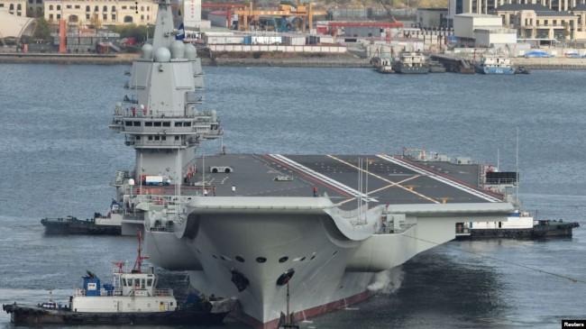 台湾大选逼近 中国自制航母山东舰驶入台湾海峡