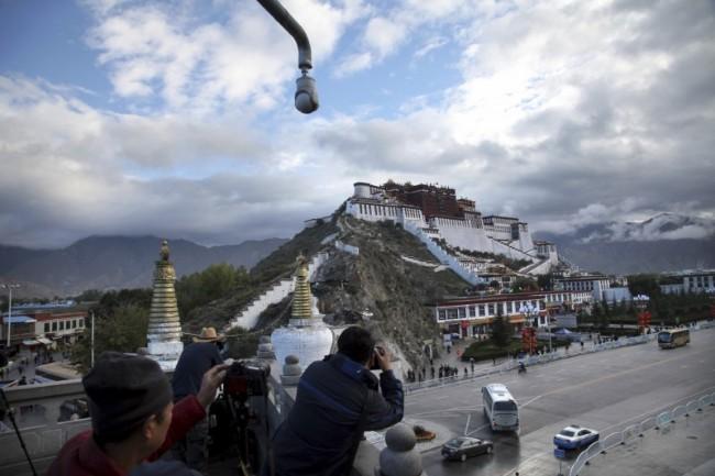 中国官员:西藏群众安全满意度达99.7%