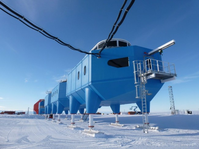 Halley_VI_Antarctic_Research_Station_-_Science_modules-1024x768.jpg