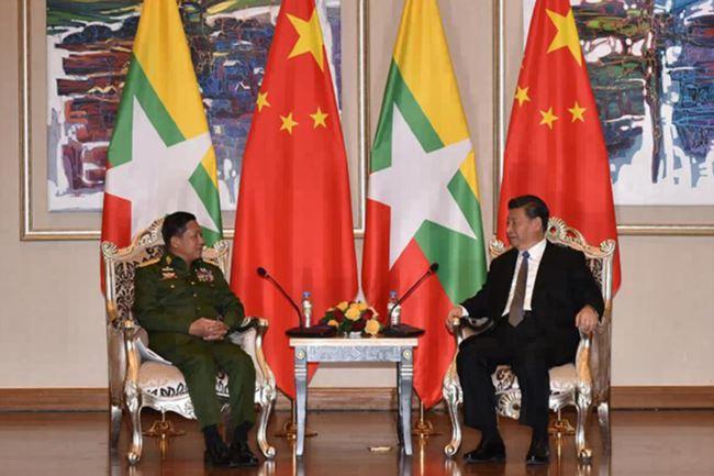 中国国家主席习近平18日会晤缅甸军方领导人敏昂来。