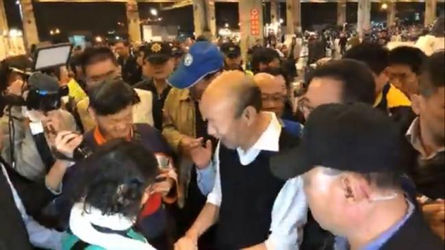 高雄摊贩呛火 韩国瑜好风度回应