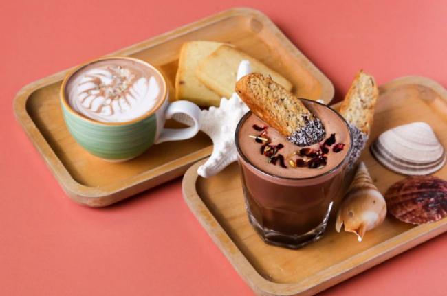 honolulu_coffee_hot_choco.jpg