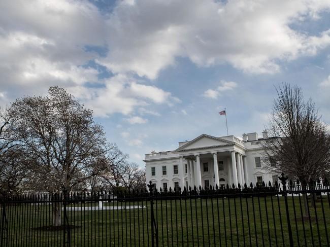 白宫年度经济报告称美经济增长超预期 美媒驳斥