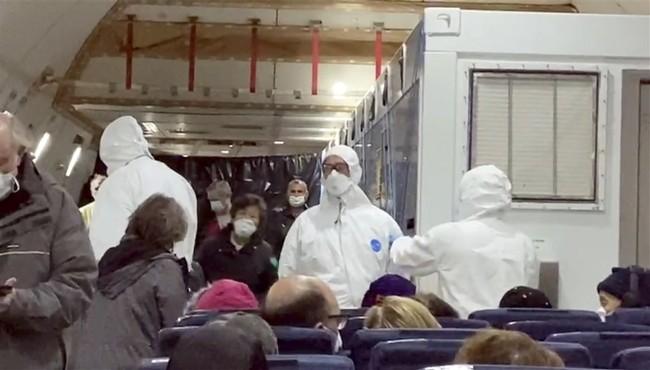 美国武汉肺炎隔离者沦过街老鼠:我们不是活死人