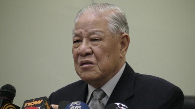 台湾前总统李登辉感染肺炎住院 医院下封口令
