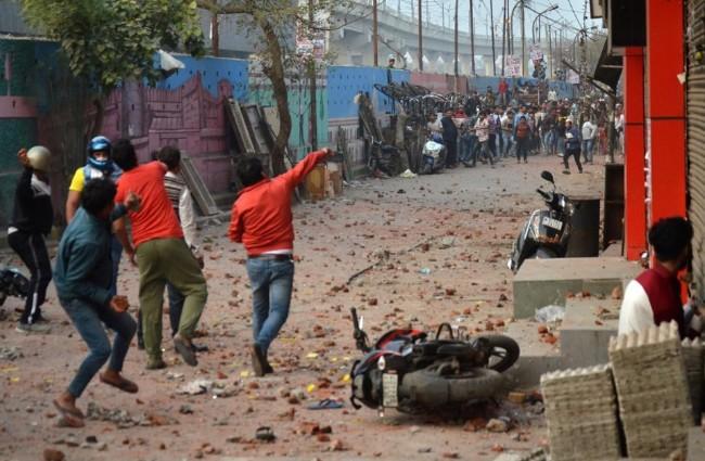 川普访印前一天 印度首都爆发抗议活动