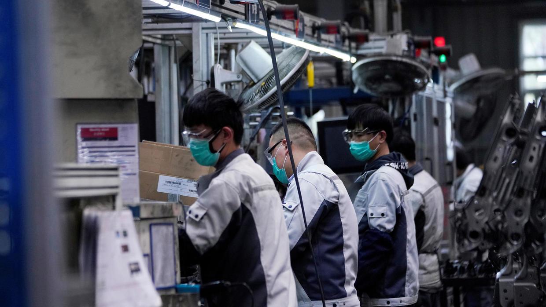 上海一家工厂工人2月份上班