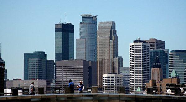 20170525_Minneapolis-skyline-2006-07-17-600x330.jpg