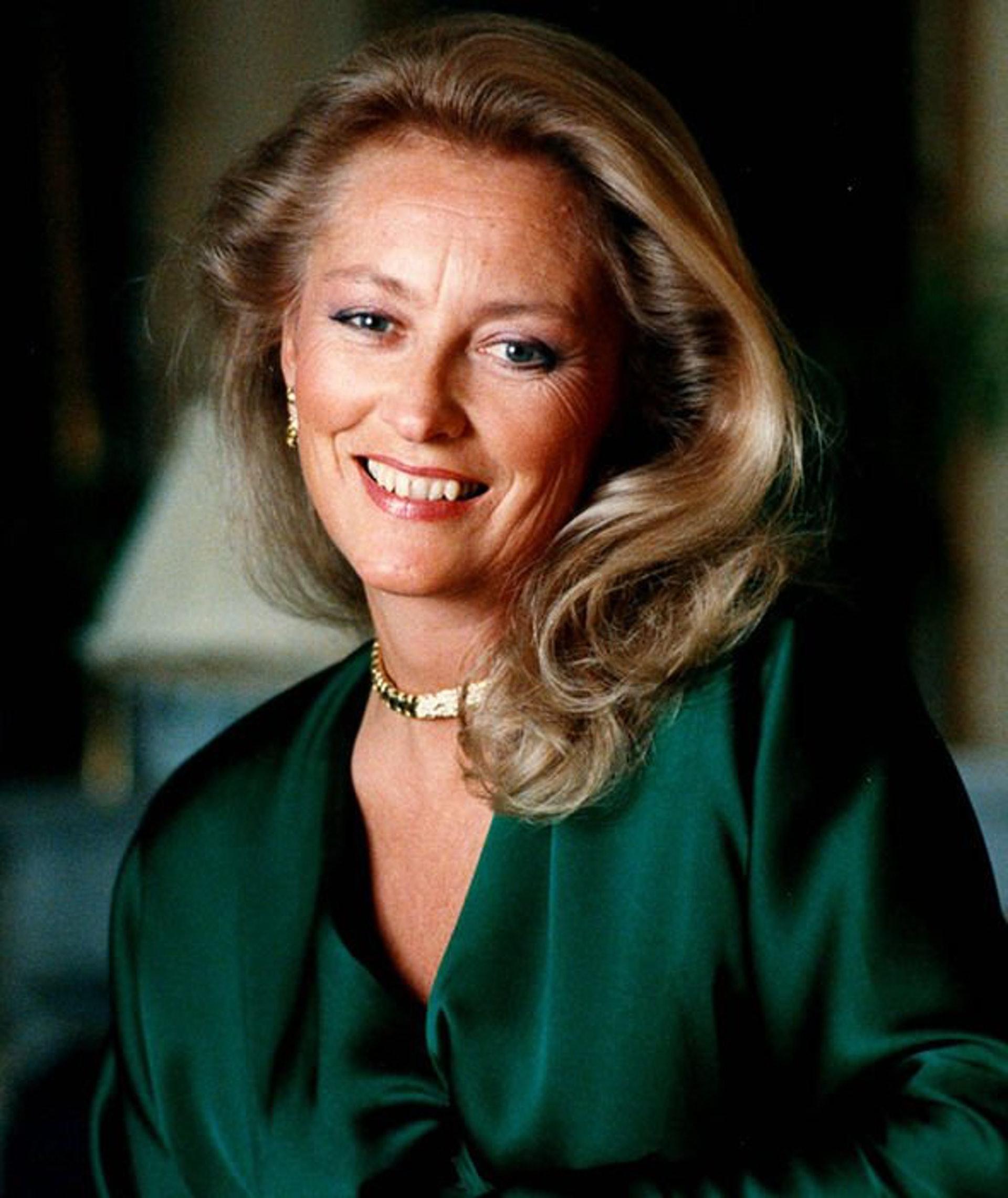 他说:「保拉在皇室并不快乐,我到访她在意大利的故乡,阳光明媚,食物也比比利时的她。而且,当她结婚时。」(Royal Ladies@Twitter)